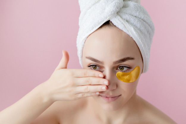 Use Natural Remedies for getting rid of Dark Circles
